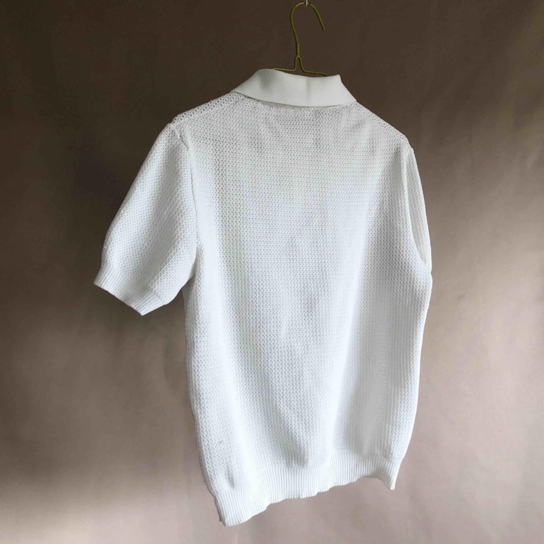 Tysk, fin vintage t-shirt. Märkt 40 men inslag motsvarar måtten en storlek 36.. T-shirts.