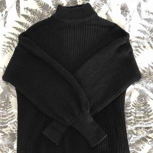 Stickad tröja från Gina Tricot, använd ett fåtal gånger.   Kan fraktas 🌸