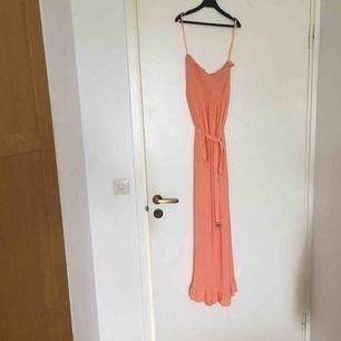 Långklänning från juice couture, sååå fin färg! lite för kort för mig tyvärr orginalpris c 1200 kr, kap!!