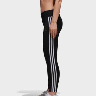 Adidas tränings thights , aldrig använda bara borttagen prislapp