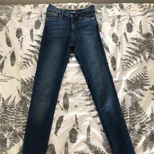 Aldrig använda jeans från BikBok. Höga i midjan.    Kan fraktas 🌸