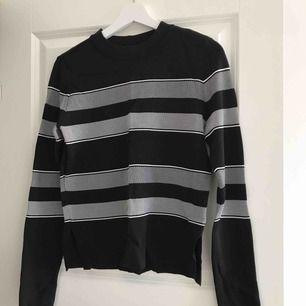 Fin tröja från Vero Moda, aldrig använd. Sitter som en S.   Kan fraktas 🌸