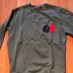 En enkel tröja från Carlings säljes då jag ej använder den. Nypris 400. Aldrig använd