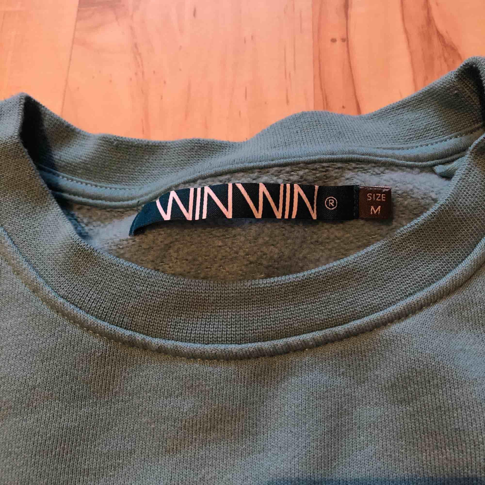 En enkel tröja från Carlings säljes då jag ej använder den. Nypris 400. Aldrig använd. Tröjor & Koftor.