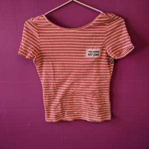 Söt tröja från Zara. Tråden som man ser på första bilden är från