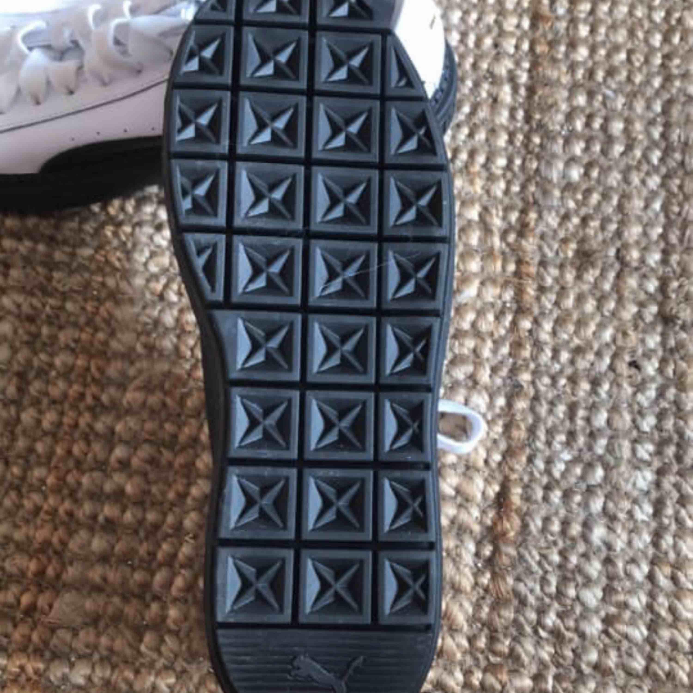 Oanvända Puma-skor från asos. Skor.