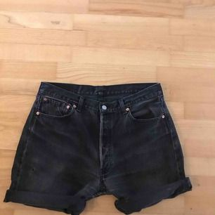 Vintage Levis jeansshorts. 501:or. Passar typ 38-40-42. As coola. Frakt 36:-