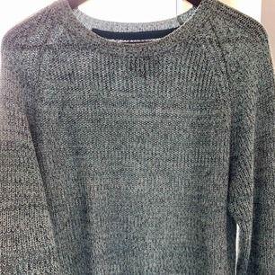 Mintgrön stickad tröja från Carlings! Fräsch och knappt använd 🥳