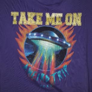 En jätte cool t-shirt ifrån junkyard. Frakten ingår!