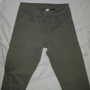 Lågmidjade jeans ifrån H&M. Frakten ingår!
