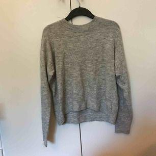 Skön tröja från hm. Köparen står för frakt❤️