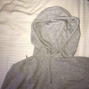 Croppad hoodie från Monki!💓
