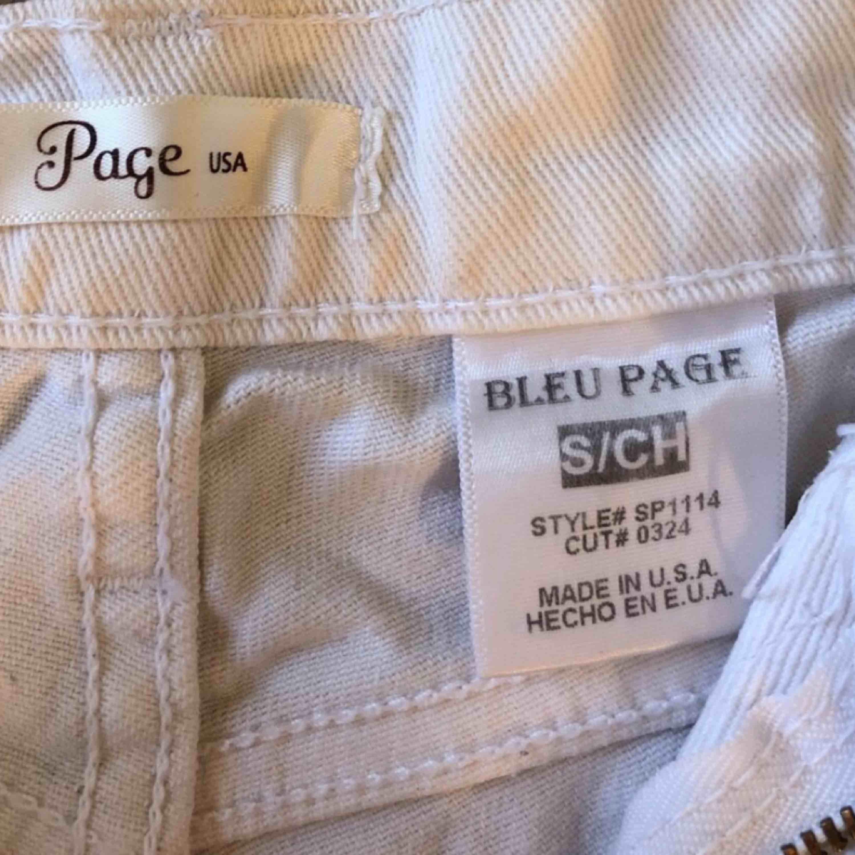 Skit snygga slitna shorts till sommaren 🔥 Dem sitter som storlek. 36 på. Shorts.
