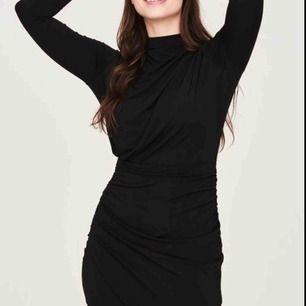 Köpte den här Vendela bodycon klänningen från Gina tricot förra året. Har bara använt den vid ett tillfälle, säljs pga den inte kommer till användning