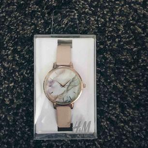 Klockan från hm. Oanvänd. Original pris 199