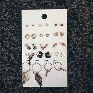Oanvända smycken från HM. Orgpris 99kr