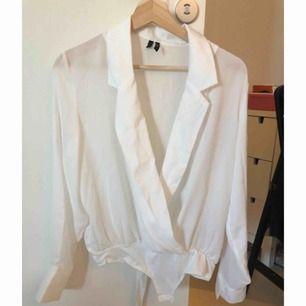 Skjortbody från vero moda. Endast provad