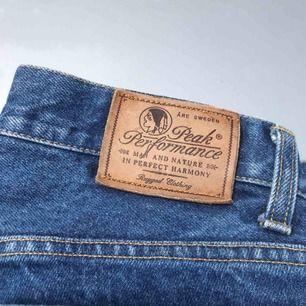 Vintage peak performance jeans. Storlek S/M skulle jag säga, i begagnat skick