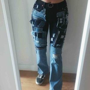 Två byxor ihop sydda till ett par nya coola jeans. Byxorna är ifrån Filippa k och Lee jeans köpte ifrån secondhand⭐️