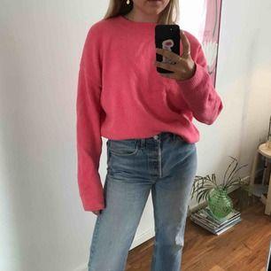 Färgglad och superskönt tröja från & other stories som tyvärr inte kom till användning!! Knappt använd!! Köpare står för frakt