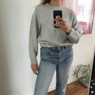 Stickat tröja från Australien, välanvänd men oj så skön!!  Köpare står för frakt