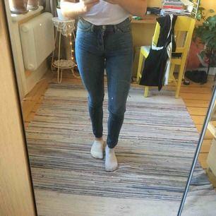 Slim mod waist jeans. Avklippta. Mkt fint skick.