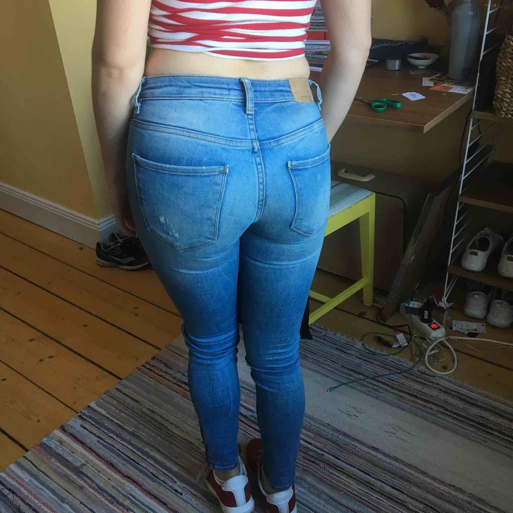 Slim fit, stretch. Kristen jeans, ripped.. Jeans & Byxor.