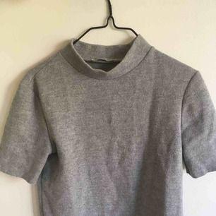 snygg grå polo t-shirt!