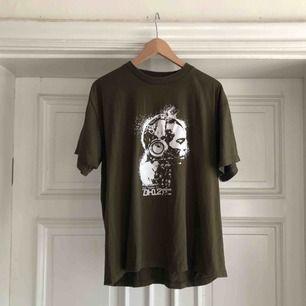 Technics T-shirt i trevligt använt skick. Kan hämtas i Uppsala eller skickas mot fraktkostnad.
