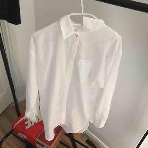 Fin vit skjorta från h&m !