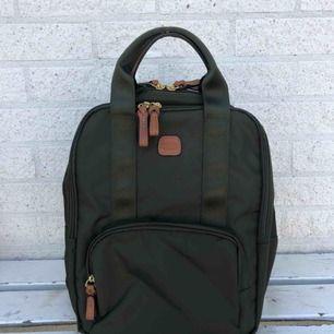 Helt ny väska från Briggs, mörkgrön färg, aldrig använd