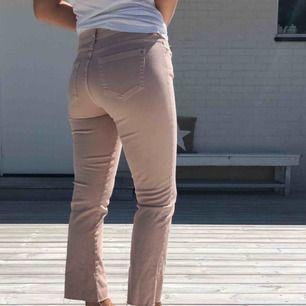 Pastell rosa jeans från zara, oanvända