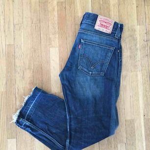 Levis jeans i storlek W31. Modell 506 standard.