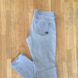 Massimo Dutti jeans. Storlek w30.