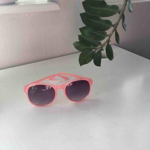 Balla rosa solglajjer perfekt till sommarn!!😎😎