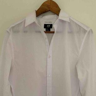 Simpel skjorta från H&M använd fåtal gånger!