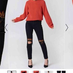 säljer dom här coola jeansen från nakd som inte kommit till så mkt användning längre. Skriv privat för fler bilder eller frågor, frakt tillkommer!!