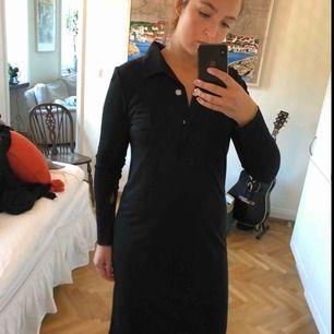 Tiger of sweden svart skjortklänning. Endast använd ett fåtal gånger
