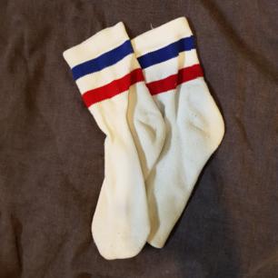 🌻 strumpor som jag köpte på monki för x antal år sen🌻 sparsamt använda🌻 osäker på storlek men skulle gissa på 38🌻
