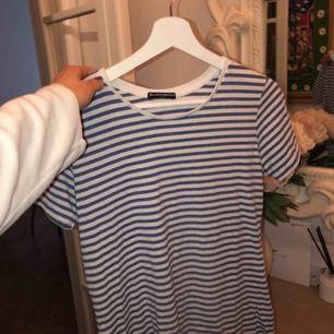 Brandy Melville randig tröja i mycket fint skick.