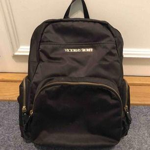 Viktoria's secret ryggsäck som nya