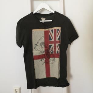 Ralph Lauren, Denim & Supply, T-shirt.   Kan mötas i Stockholmstrakten alternativt betalar köparen för frakten