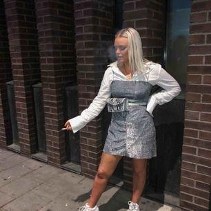Världens finaste klänning! Använd två gånger!