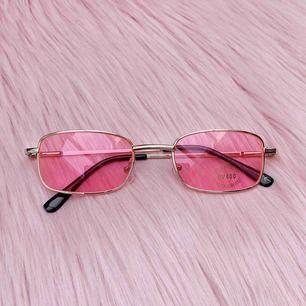 Sjukt snygga rosa solglasögon, helt nya💓 frakt ingår i priset✨