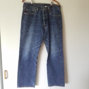 Äkta vintage Levi Strauss jeans i storlek 34/30