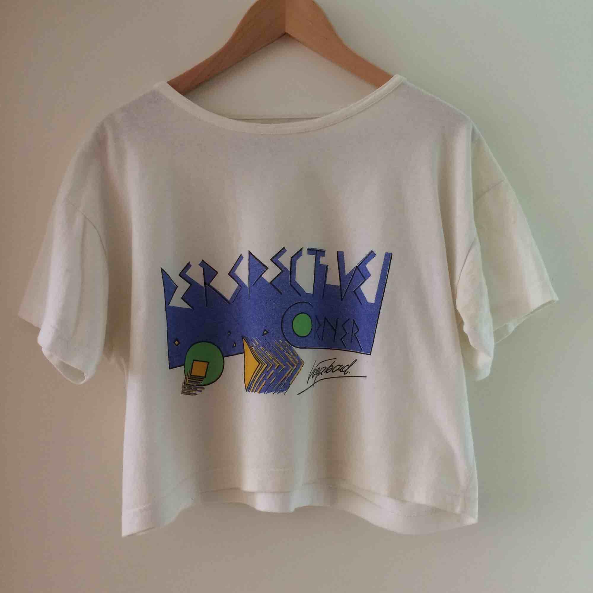 Vintage crop top. Frakt tillkommer, postar spårbart!. T-shirts.