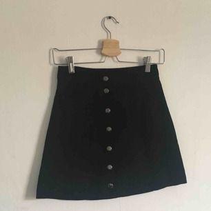 Superfin kjol i mocka liknande material! 😇