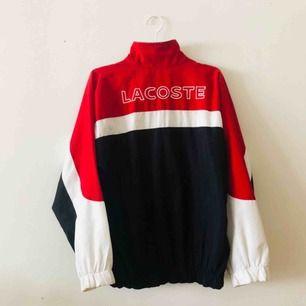 Vintage Lacoste track-jacka. Frakt tillkommer.