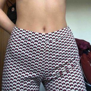 Snygga mönstrade byxor från hm!❤️