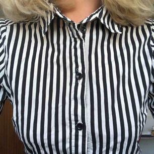 Svart randig skjorta från hm